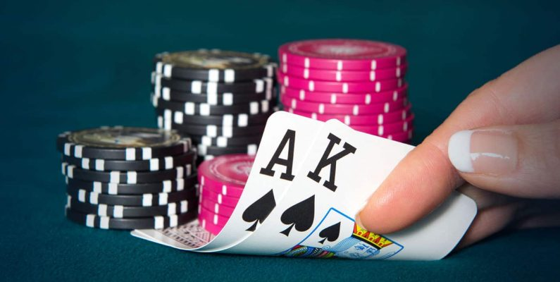 Reuni One Direction Mainkan Poker